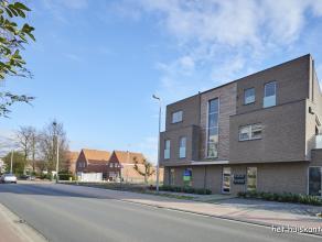 Prachtig gelijkvloers appartement (98,65m²) met 2 ruime slaapkamers, zuidelijk georiënteerd terras van 21m², in het centrum van Lommel.
