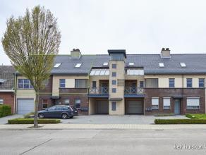 Prachtig lichtrijk duplex appartement (135m²) met 3 slaapkamers en ruim terras 3,2m x 4,65m. <br /> De hoofdslaapkamer is voorzien van een dressi