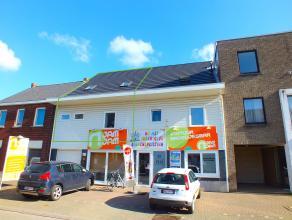 Recent duplex appartement (132m²) met 3 ruime slaapkamers en mooi, overdekt terras van 27m² in het centrum van Lommel.<br /> Er is 1 parkeer