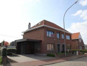 Prachtige half open bebouwing in het dorpscentrum van de gemeente Hombeek. Residentieel en rustig gelegen, op wandelafstand van openbaar vervoer, basi
