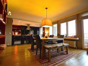 A deux pas de l'Atomium et à proximité de toutes les commodités, spacieux appartement de +/- 192m². Entièrement r&eac