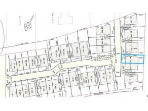 Terrain à batir libre de constructeur de 382 m². Situé dans un nouveau lotissement à deux pas du coeur du village. Ce terrai