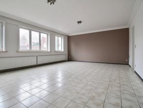 TEMPLEUVE, appartement comprenant : - Rez : grand hall privatif (avec accès compteurs), réserve sous l'escalier avec groupe hydrophore e