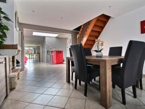 MOUSCRON, maison 2 façades entièrement rénovée, comprenant : - Rez : hall, living (47 m²), wc séparé, s