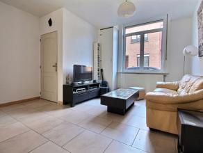 MOUSCRON - Jolie maison idéalement située comprenant : - Rez-de-chaussée : salon (15 m²), salle à manger (15 m²)