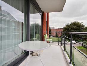 """Dans la résidence""""Le Château"""", appartement de 58m² au 2ème étage avec terrasse, comprenant: un hall d'entrée av"""