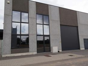 Fase 1: 20 KMO-units vanaf 450 m² Fase 2: project kan uitgebreid worden met een aantal toonzalen event. met magazijnruimte op het gelijkvloers en
