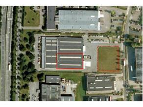 Deze opslagruimte van 2.750 m² ligt in de industriezone van Londerzeel op slechts 2 minuten van de A12 (Antwerpen - Brussel). Mogelijkheid van bu