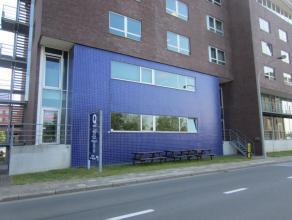 Kantoorunit van 115 m² met mogelijkheid van parking. Open landschapskantoor met sanitaire voorzieningen en mogelijkheid van kitchenette. Instapkl