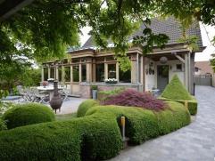 Smaakvol ingerichte villa op zeer rustige ligging, met alle comfort, 4 slaapkamers, luxueuze keuken, een schitterende orangerie en een prachtig aangel