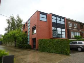 Prachtige, zeer gunstig gelegen, grote HOB op +/- 665 m² grond, inpandige garage, prakrijkruimte of hobbyruimte (zeer geschikt voor vrij beroep o