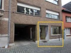 Gelijkvloers app van 90m² met 2 slpks en ruim terras in een gebouw van 2 hoog. Het appartement is gelegen in de gezellige wijk Looks te Lier, ide