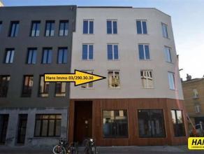 Nieuwbouw studio voor STUDENTEN, NET-AFGESTUDEERDEN OF GELIJKAARDIG QUA LEEFTIJD van 20m² op goede locatie op de 1e verdieping in een gebouw van