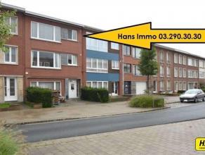 KLEIN BESCHRIJF MOGELIJK!!! TOPlocatie, zeer mooi appartement van 82m² met 2 a 3 slpks., terras en gemeenschappelijke voortuin/autostaanplaats ge