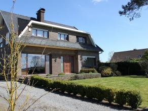 Contactname: Eline Ampe - 0478/36.20.40<br /> Aan de voet van de Vlaamse Ardennen vinden we deze mooie en ruime villa, die perfect zijn rustige liggin