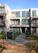 """Trendy appartement in residentie """"Beukenhof"""" gelegen nabij het golfterrein van Brasschaat. Indeling: leefruimte ca.25m² met hedendaags geinstalle"""