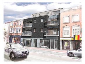 Appartement 2.2 is gelegen op de tweede verdieping van ons nieuwbouwproject Alas en bestaat uit: inkomhal, leefruimte met open keuken, nachthal, 2 ber