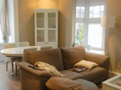 Instapklaar 1-slaapkamer appartement in charmant gebouw in begeerde Pulhofwijk. Indeling:WOONKAMER (25m²): op laminaat, met tv-telefoon en intern
