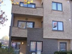 Ruim en licht 2 slaapkamer appartement van ca. 115m² in zeer rustige buurt te Pulhof in klein gebouw zonder lift ! Indeling: INKOMHAL met afzonde