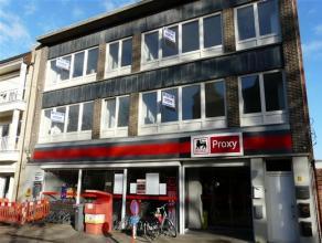 2 Appartementen (1ste en 2de verdieping) gelegen in een rustige straat te Maria-ter Heide, de appartementen zijn ingericht met, living op laminaat, in