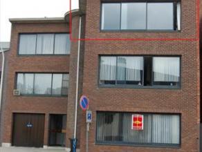 Appartement op de tweede verdieping, gelegen vlakbij alle voorzieningen. Het appartement beschikt over een ruime leefruimte, een keuken, 2 slaapkamers
