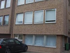 Gezellig appartement op de eerste verdieping gelegen in een rustige wijk maar toch vlakbij het centrum van Kapellen. Het betreft een ruim appartement