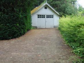 Zeer ruime woning met tuin en garage in het groene Hoogboom. Vlakbij scholen, openbaar vervoer, bakker en andere voorzieningen. De woning omvat gelijk