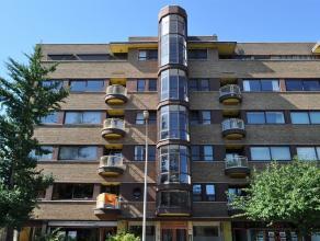 """Léon Stynen (1899) Zijn grootste realisatie die vrij intact bewaard bleef, is het appartementsgebouw """"Elsdonck"""" in Wilrijk (1933). De criticus"""