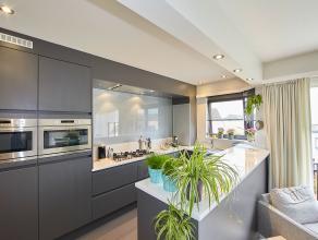 """Dit instapklaar appartement is gelegen te Wilrijk, vlakbij het uniek natuurreservaat """"Fort 7"""".<br />  <br /> Het sfeervol appartement geniet van veel"""