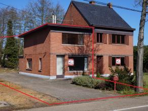 Volledig te renoveren woning HOB op 1 kilometer van Lummen centrum. Op 3a17ca. Gelijkvloers: woonkamer, keuken, wc. Eerste verdieping : 2 slaapkamers