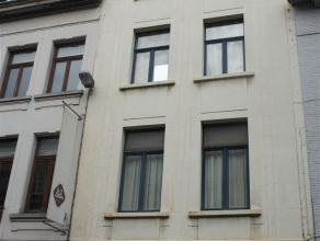 4 één slaapkamer appartementen op een top locatie in Antwerpen Opbrengsteigendom is volledig gerenoveerd, dat wil zeggen mooie houten vl