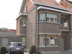 Charmante instapklare woning met authentieke elementen gelegen in hartje Nijlen.Zeer goed en centraal gelegen woning met 4 slaapkamers in het centrum