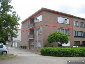 Zeer ruim appartement op rustige locatie in Brasschaat Het appartement is zeer rustig gelegen, nabij openbaar vervoer, scholen, etc. INDELINGInkomhal