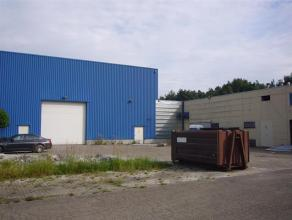 Deze ruime opslagruimte  heeft een oppervlakte van 32,59 m².Beschikt ook over een hoge poort.Het gaat om overdekte en afgesloten Units in een geb