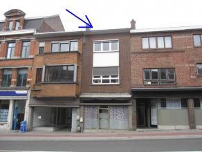 Handels-/woonhuis met o.a. 4 slaapkamers, een dakterras en een koertje. De elektrische installatie is conform.  Gelegen vlakbij het station en de he
