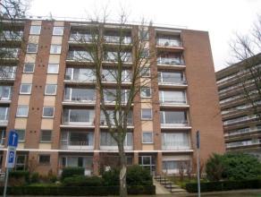 Appartement gelegen op de zevende verdieping met een mooi panoramisch zicht over Leuven, bestaande uit 2 slaapkamers en een ruim terras.  Dit appart