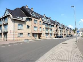 Aangenaam duplex-appartement (100 m²) met twee slaapkamers en een ondergrondse autostaanplaats in het centrum van Tienen.  Dit appartement is ge