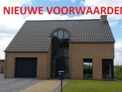 Recente woning met 205m² bewoonbare oppervlakte op een terrein van 14are 15ca. Gelegen centraal tussen Tienen en Sint-Truiden, op korte afstand v