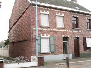 IN OPTIE/ compromis in opmaak Volledig te renoveren woning in half open verband met twee slaapkamers in het centrum van Rijmenam.  Er bestaat een m