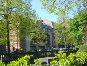 Groot en luxueus appartement (145 m²) in een stijlvolle en rustige residentie in het centrum van Leuven (gelegen aan de Lei)! Alle winkels, cultu
