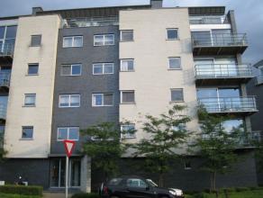 Modern appartement gelegen vlakbij het Provinciaal Domein van Kessel-Lo en invalswegen!  Het appartement is gelegen op de derde verdieping en bestaa