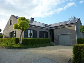 Leuke villa (214m² bewoonbare oppervlakte) op een terrein van +/- 14are, gelegen in één van de meest gegeerde straten uit de regio.