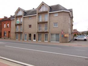 Ruim duplex appartement met 3 slaapkamers gelegen op de Diestsesteenweg te Pellenberg (Lubbeek).   Het appartement bestaat uit een inkomhal met apar
