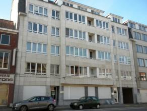 Ruim appartement met 2 slaapkamers op een interessante ligging vlakbij het centrum van Leuven.   Het appartement bestaat uit een ruime woonkamer met v