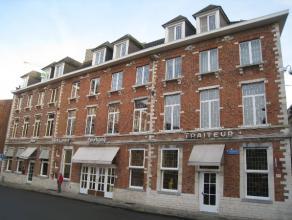 Knus en instapklaar dakappartement met één slaapkamer gelegen op de derde verdieping in Leuven centrum. Deze kleinschalige residentie is
