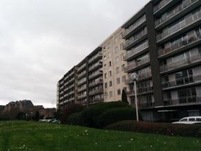 Mooi appartement met 2 slaapkamers in het centrum van Heverlee. <br /> <br /> Het appartement is gelegen op de 4de verdieping en heeft een panoramisch