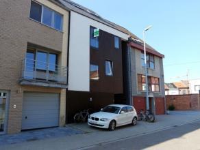 Modern en stijlvol duplex-appartement met drie slaapkamers (co-housing mogelijk), gelegen op de tweede en derde verdieping met alle comfort en een rui