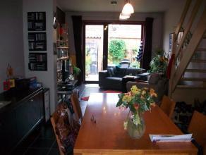Info en bezichtiging: mail filip@immodetiege.be of 0476/888.414.  Stijlvol gerenoveerde stadswoning met 3 slaapkamers, ZW-gerichte plantenkoer + bal