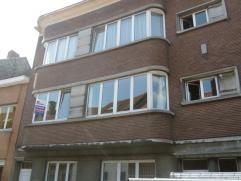 Twee slaapkamer appartement gelegen aan de Tiensepoort in Leuven op wandelafstand van centrum en station.  Een ruim twee slaapkamer appartement (77m