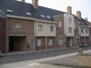 Ruim duplex appartement op wandelafstand van Leuven, nabij alle faciliteiten.Indeling: inkomhall, leefruimte met open keuken, berging, toilet, 2 slaap
